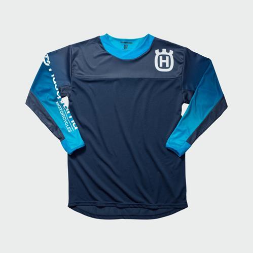 pho_hs_pers_vs_45404_3hs192320x_gotland_shirt_blue_front__sall__awsg__v1