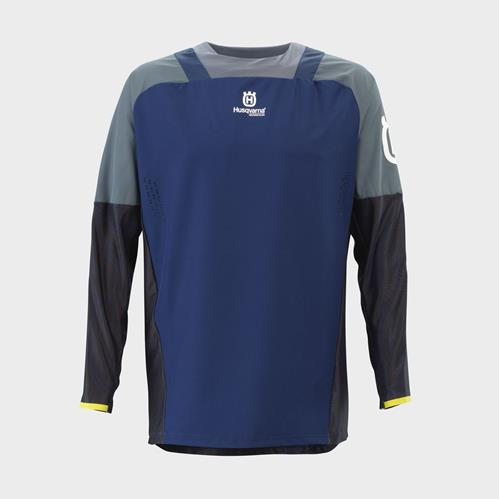pho_hs_pers_vs_77153_3hs21003280x_gotland_shirt_blue_front__sall__awsg__v1